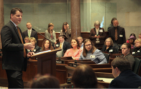Eric Carter addresses disability advocates in the Tennessee Senate Chamber.